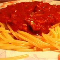 Спагетти с соусом из рубленного мяса