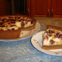 Пирог с ягодно-сметанным кремом