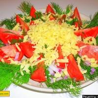 Салат с помидорами и сыром на скорую руку