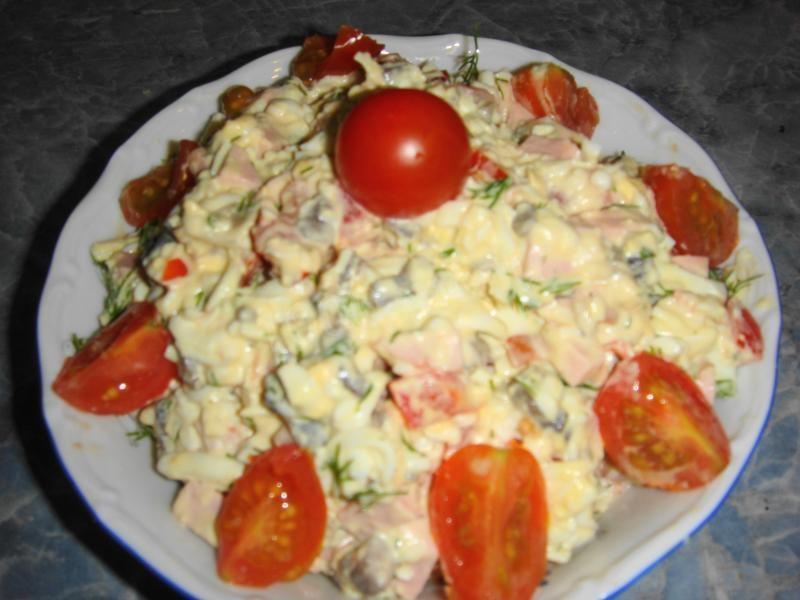 Салат грибы яйца колбаса