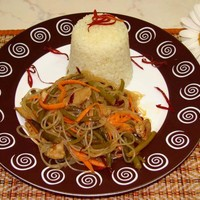 Салат фунчоза с мясом