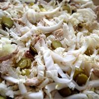 Салат с курицей и огурчиками