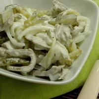 Салат с мясом и солеными огурцами