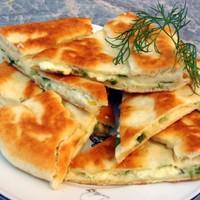 Тбилисские хачапури с сыром на сковороде