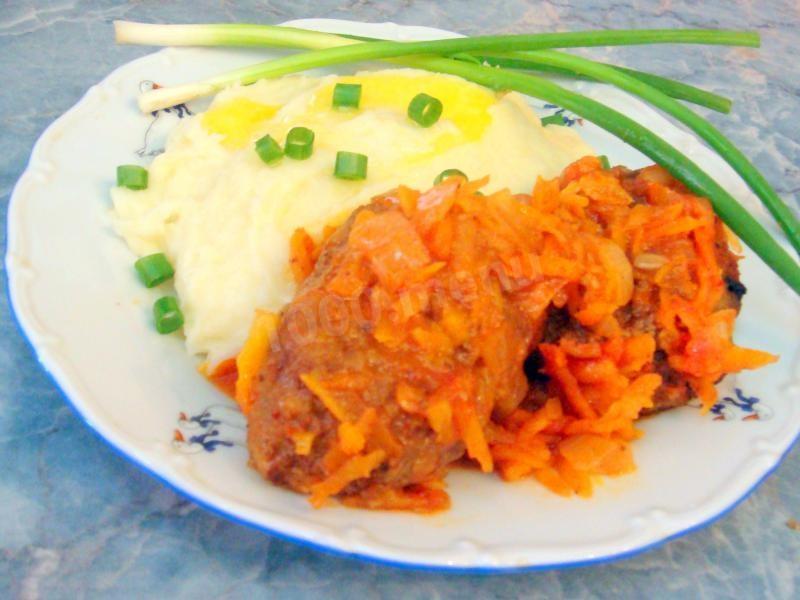 Замороженные котлеты в томатном соусе