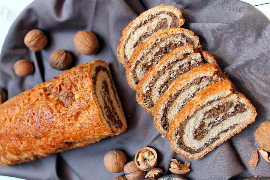 Рулет с грецкими орехами рецепт