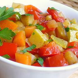 Овощное рагу с кабачками и баклажанами и картошкой в мультиварке с индейкой