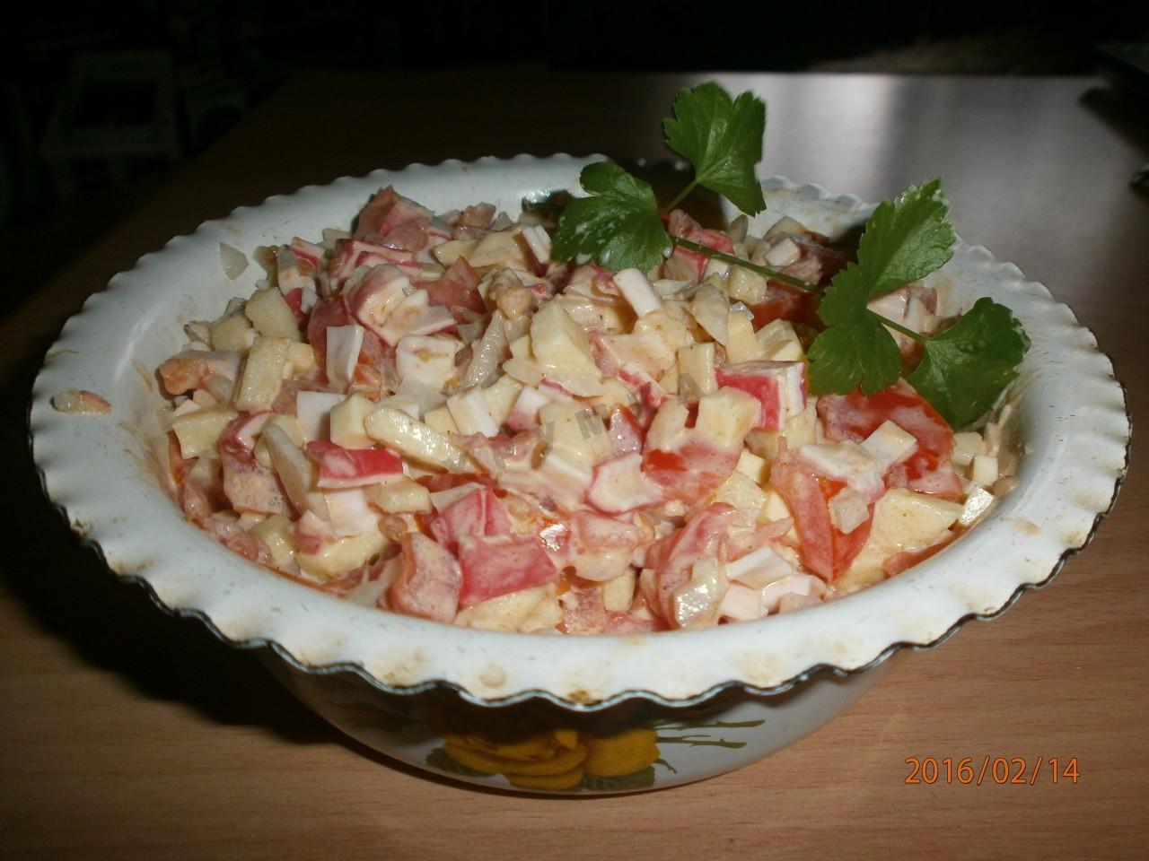Салат с роллтоном и крабовыми палочками рецепт пошагово